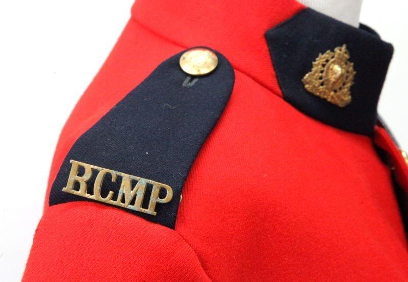 RCMP ROYAL CANADIAN MOUNTED POLICE FULL UNIFORM - 3