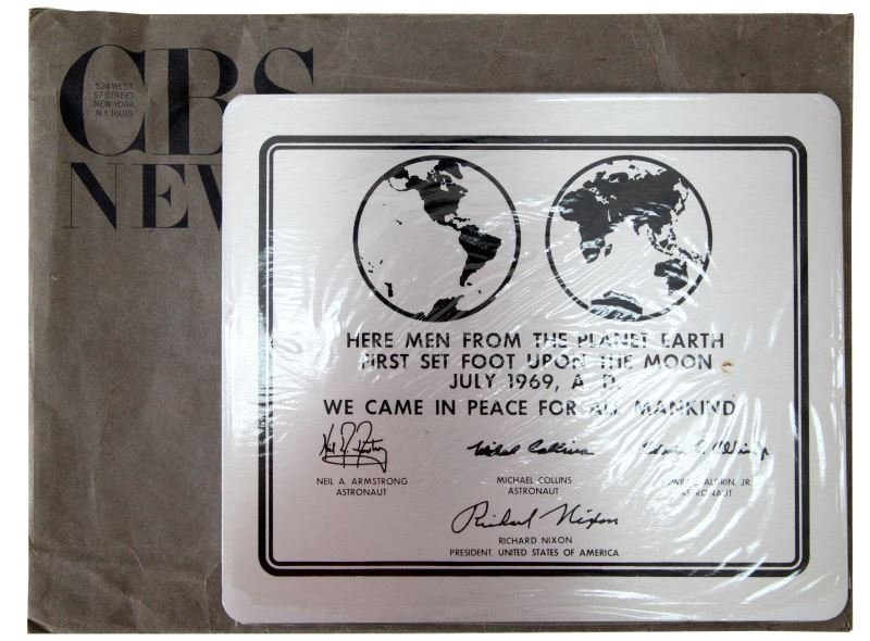 CBS NEWS APOLLO 11 LANDING PLAQUE BILL HEADLINE