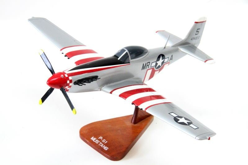 P-51 MUSTANG 1/24 SCALE WOODEN PLANE MODEL