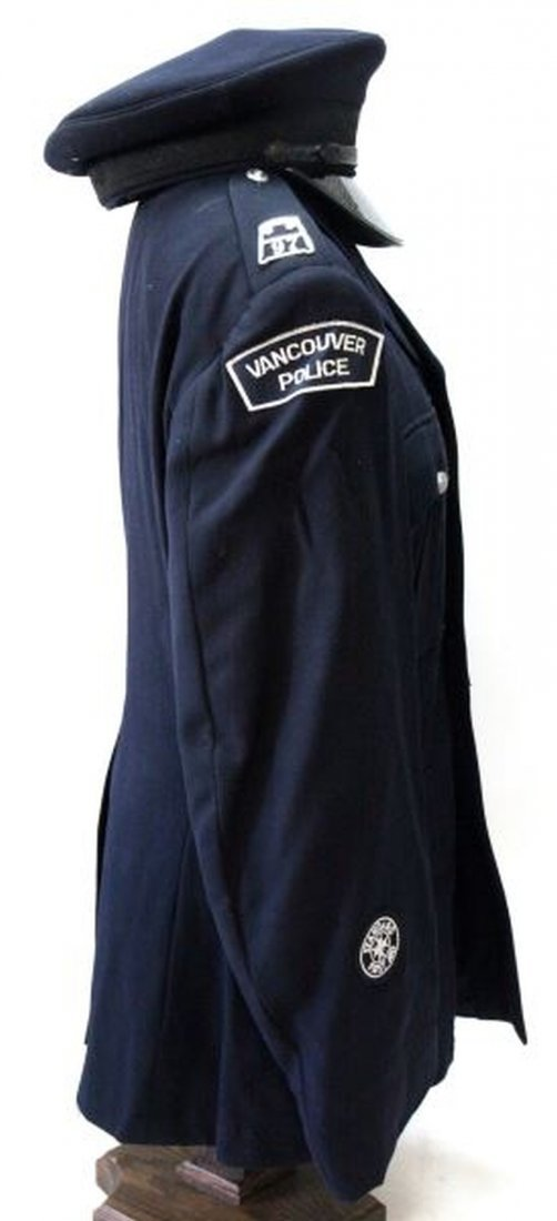 1970 VANCOUVER POLICE DEPARTMENT UNIFORM - 3