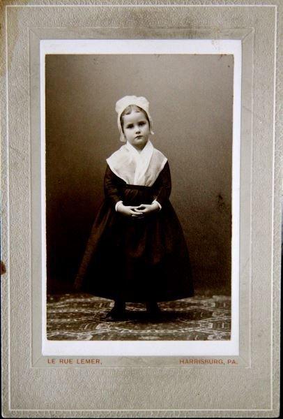 VINTAGE CABINET CARD HARRISBURG PA  AMISH GIRL