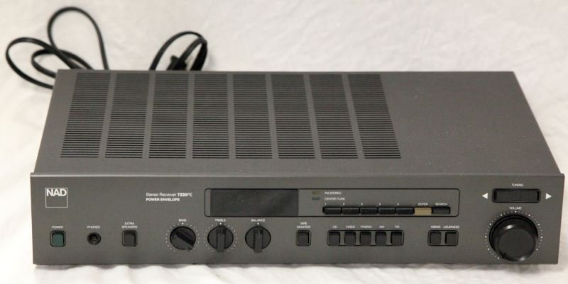 NAD 7220PE STEREO POWER AMPLIFIER/RECEIVER