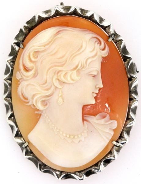 VINTAGE LADIES STERLING FRAMED CAMEO BROOCH