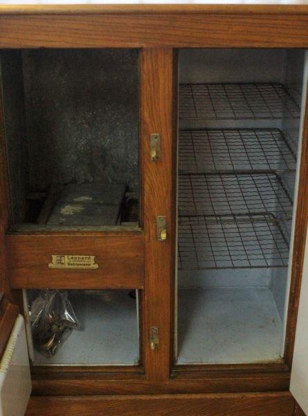 1921 LEONARD PORCELAIN LINED ICE BOX REFRIGERATOR - 3