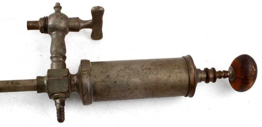 ANTIQUE BRASS BEER KEG TAP PUMP WITH WOOD HANDLE