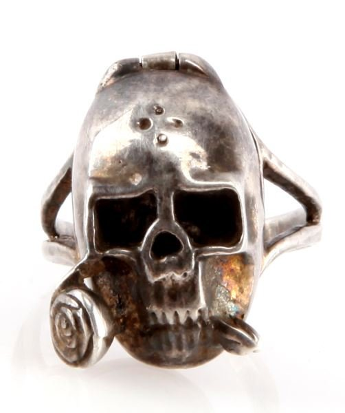 WWII GERMAN DEATH HEAD SILVER POISON RING