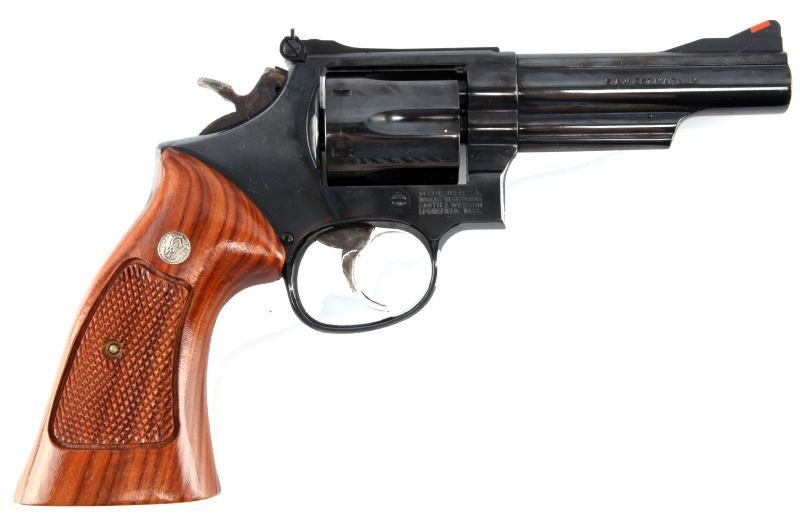 SMITH AND WESSON MODEL 19-6 .357 MAGNUM REVOLVER