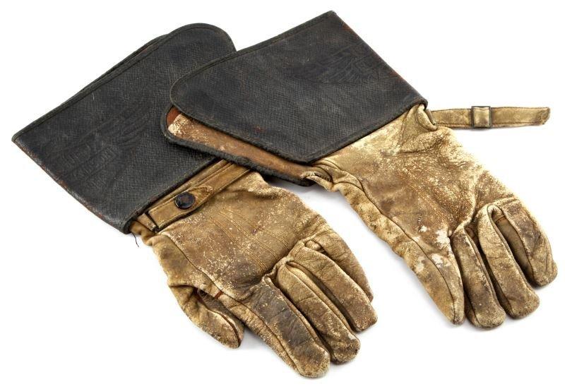 VINTAGE 1930S HARLEY DAVIDSON GAUNTLET GLOVES