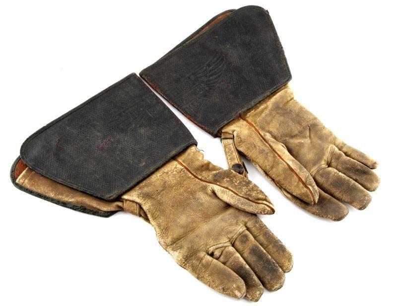 VINTAGE 1930S HARLEY DAVIDSON GAUNTLET GLOVES - 2
