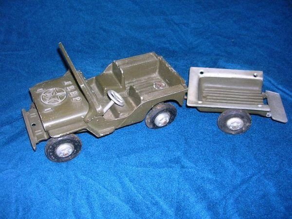 12310: ANTIQUE WWII WILLYS OGLESBY TOY JEEP ALUMINUM
