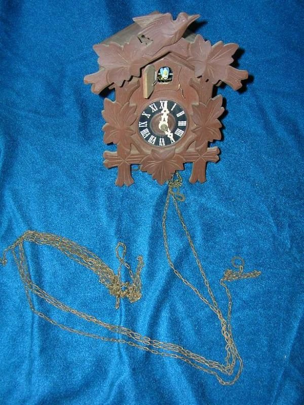 12311: BLACK FOREST CUCKOO CLOCK MINUS WEIGHTS BUT SEEM