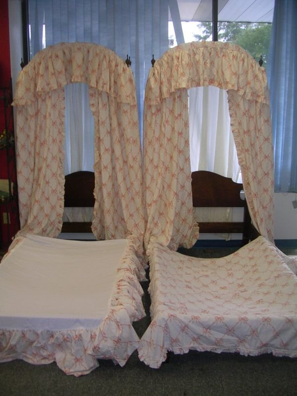 14: KUTTINGER POSTER CANOPY TWIN BED LOT OF 2 RARE1866-