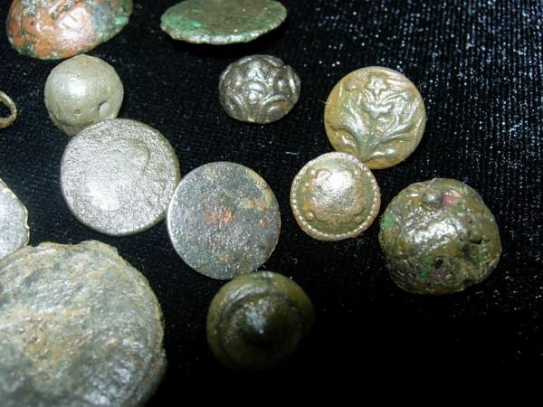 61: MEDIEVAL BUTTON LOT ENGLAND METAL DETECTOR LOT OF 2 - 3