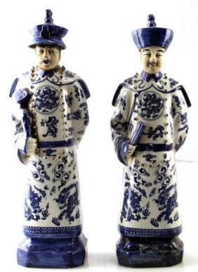 2 Early 20th Century Chinese Porcelain Statues