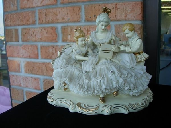 15: LARGE ANTIQUE DRESDEN LACE FIGURE GROUPING