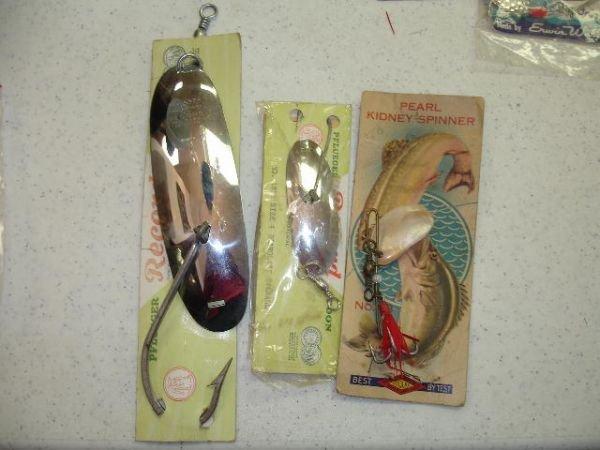 472: ANTIQUE FISHING LURE LOT PFLUEGER BURKE WELLER 10 - 7