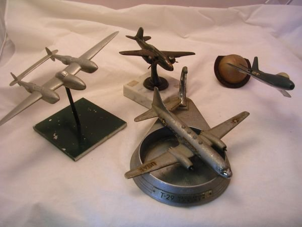 13: WWII KOREA DIECAST MODEL AIRPLANE LOT OF 4