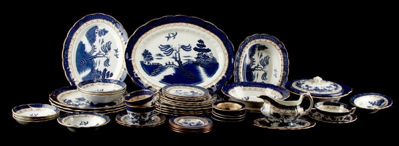 145 PC REAL OLD WILLOW ENGLISH CHINA  A8025 BOOTH