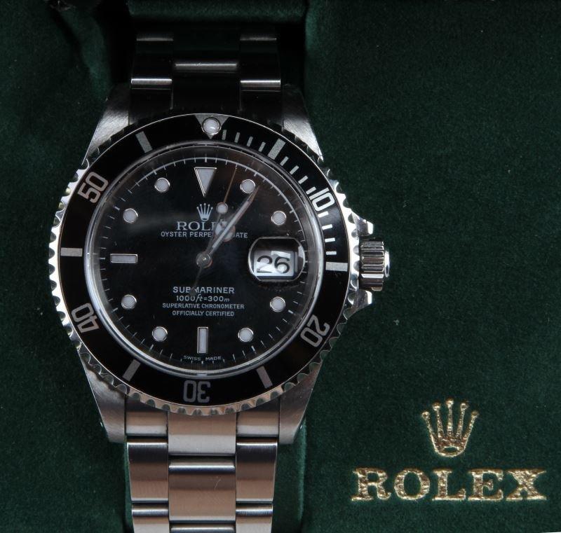 ROLEX STAINLESS STEEL SUBMARINER DATE16610 - 2