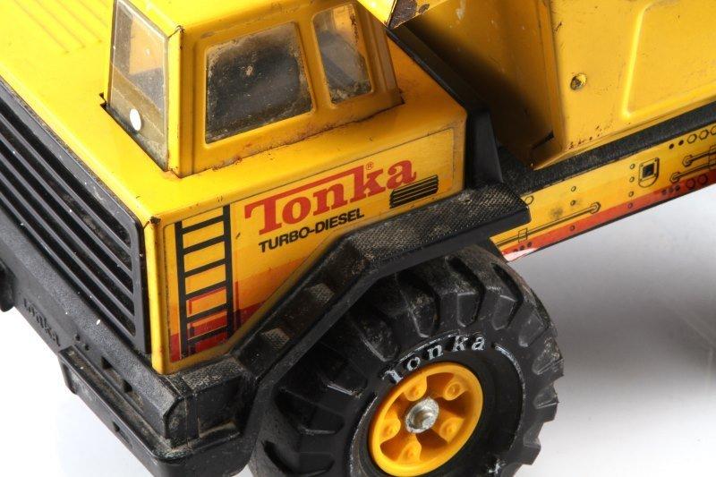 VINTAGE TONKA TURBO DIESEL XMB-975 STEEL DUMPTRUCK - 2