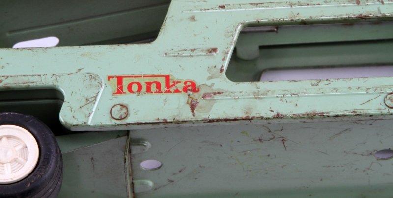 18'' LONG VINTAGE TONKA STEEL TOWING CAR + TRAILER - 6