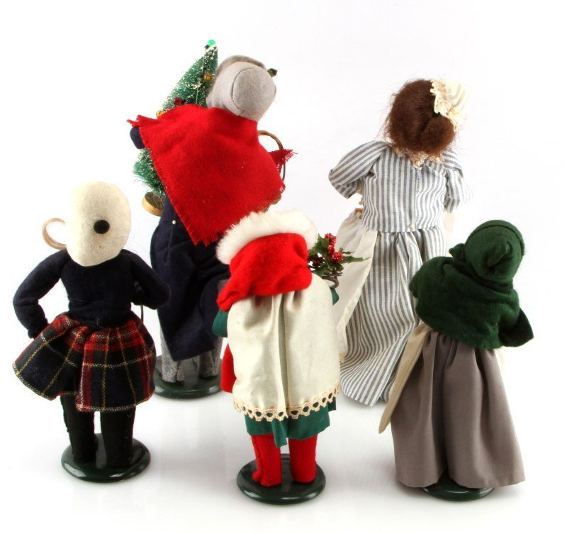 LOT OF FIVE BYERS CHOICE THE CAROLERS DOLLS - 3