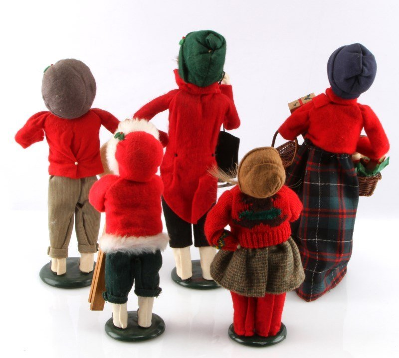 LOT OF FIVE BYERS CHOICE THE CAROLERS DOLLS - 4