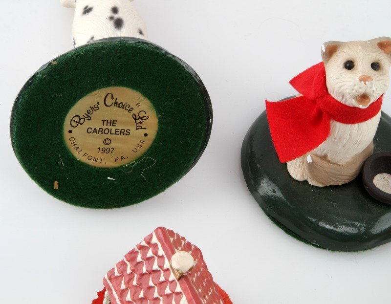 LOT OF BYERS CHOICE THE CAROLERS ACCESSORIES - 3