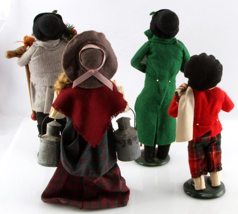 LOT OF FOUR BYERS CHOICE THE CAROLERS DOLLS - 3