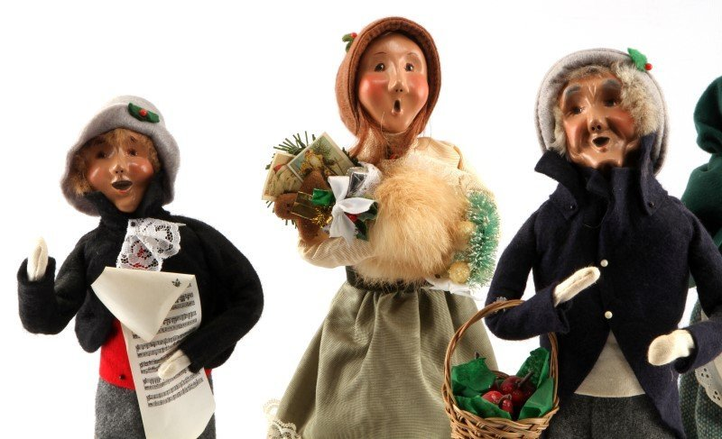 LOT OF FOUR BYERS CHOICE THE CAROLERS DOLLS - 2