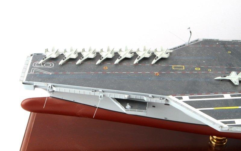 USS RONALD REAGAN CVN-76 MAHOGANY SHIP MODEL 1/350 - 4