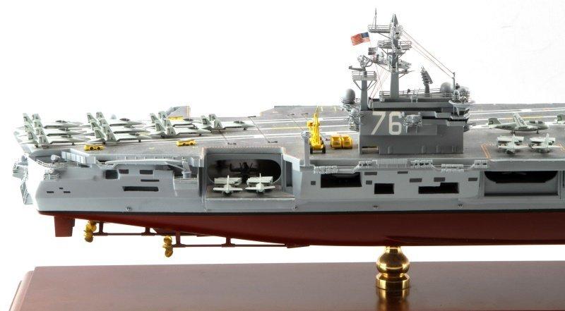 USS RONALD REAGAN CVN-76 MAHOGANY SHIP MODEL 1/350 - 6