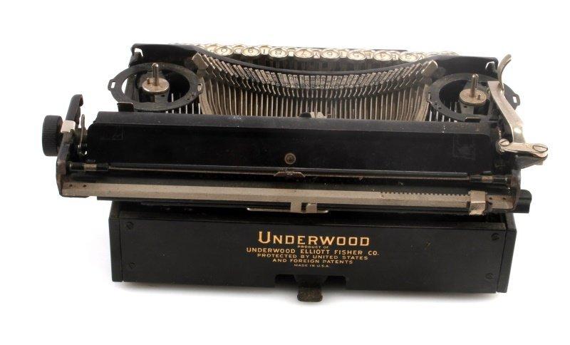ANTIQUE ORIGINAL UNDERWOOD PORTABLE TYPEWRITER - 3