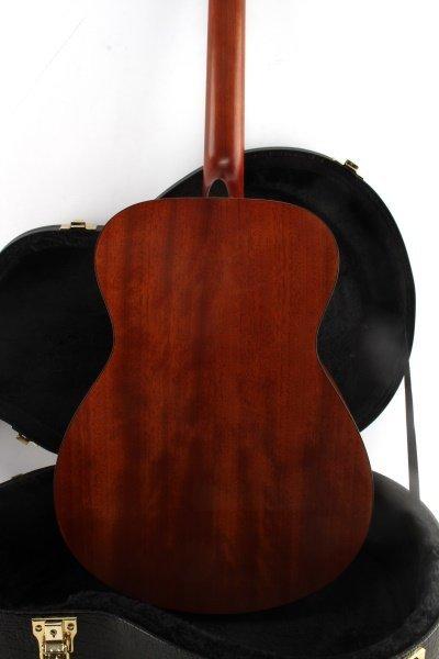 YAMAHA FS700S ACOUSTIC GUITAR WITH HARD CASE - 7