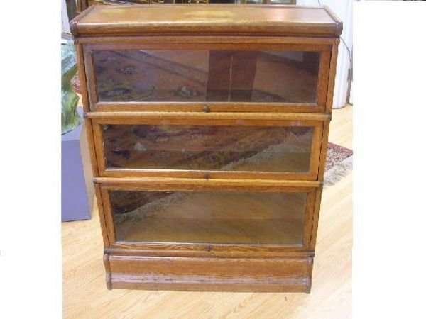 10460: ANTIQUE BARRISTER BOOKCASE THREE SECTION OAK