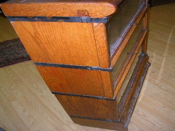 10460: ANTIQUE BARRISTER BOOKCASE THREE SECTION OAK - 3