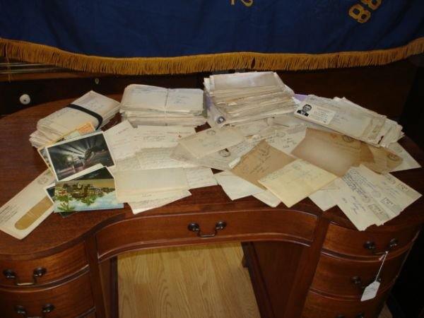 10256: WWI WWII US MILITARY HUGE LOT LETTER RED CROSS
