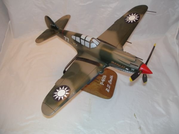 10: WWII ACE R.T. SMITH P-40B MODEL AIRPLANE MADE OF WO