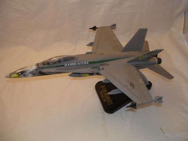 16: US NAVY F-18 HORNET DAMBUSTERS MODEL FIGHTER METAL