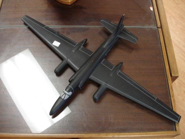 18: SR22 BLACKBIRD US AIRFORCE U-2 SPYPLANE MODEL ON ST - 5