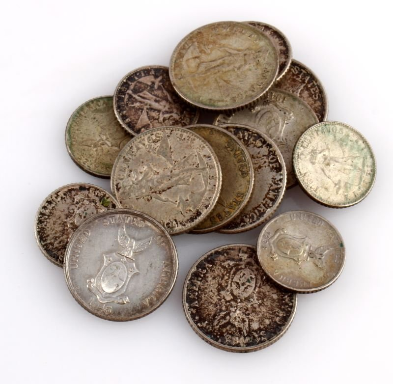 GROUPING OF US PHILLIPINES SILVER COINS