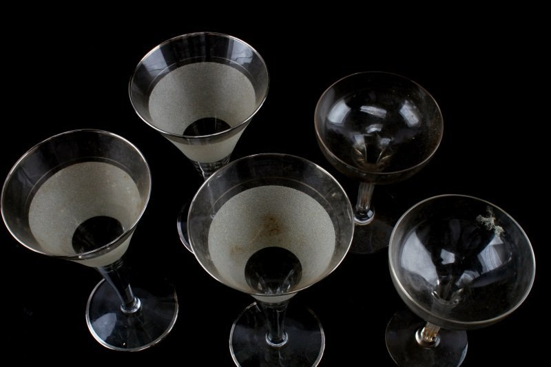 5 PIECE LOT OF COCKTAIL GLASSES MARTINI & CORDIAL - 5
