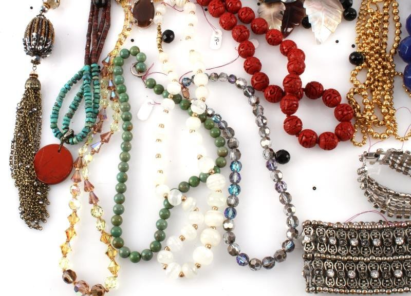 DEALERS LOT OF 5.8 POUND COSTUME JEWELRY - 3
