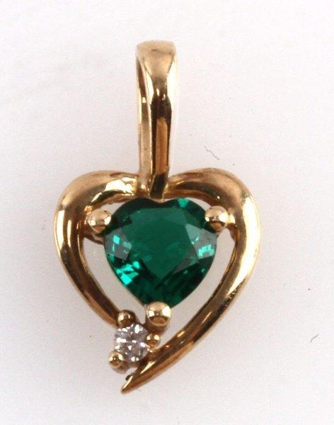 YELLOW GOLD HEART PENDANT GREEN AVENTURINE