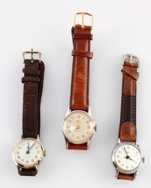 LOT OF THREE VINTAGE SMITHS MECHANICAL WATCHES