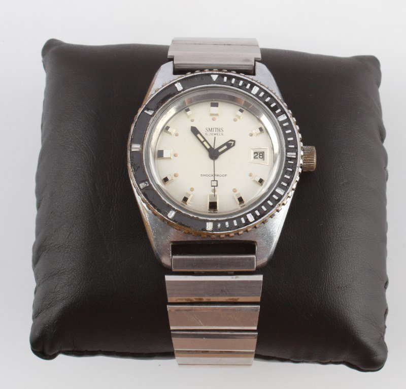 1960S SMITHS DIVER'S WATCH WITH DATE WINDOW