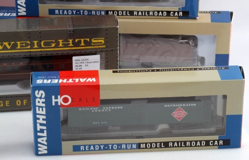 7 WALTHERS HO SCALE READY TO RUN RAILROAD CARS - 2