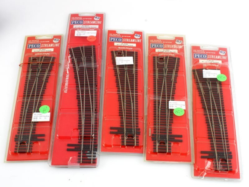 LOT OF PECO STREAMLINE HO SCALE TURNOUTS IN PKG