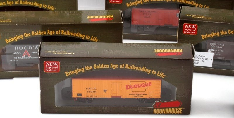 10 PIECE LOT OF ROUNDHOUSE HO SCALE NEW TRAIN CARS - 2