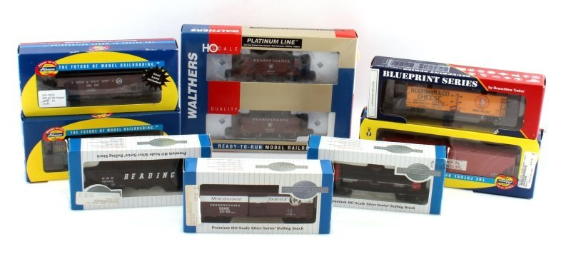 8 PIECE LOT OF HO SCALE MODEL TRAIN CARS NEW
